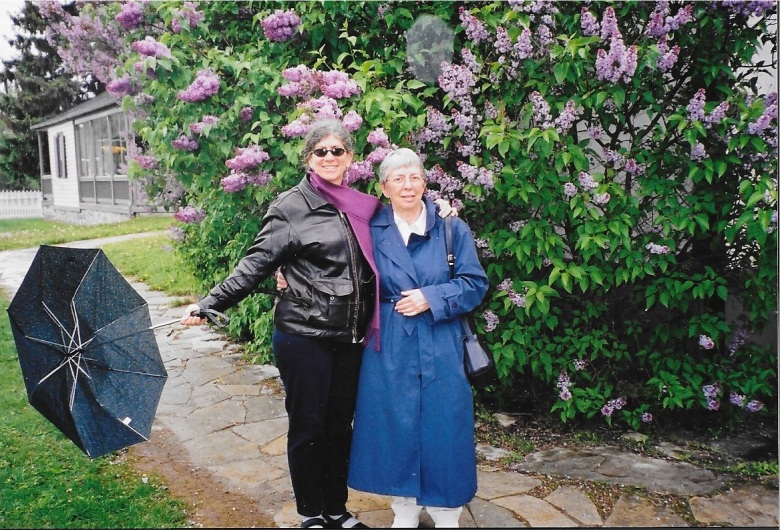 Robin and Greta, Schneider Haus, Kitchener May 2003.jpg