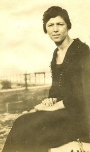 1922: Anna